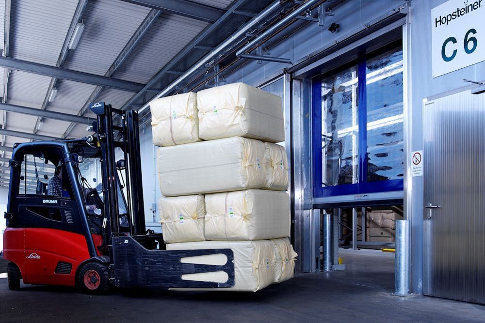EFA roller door in warehouse situation